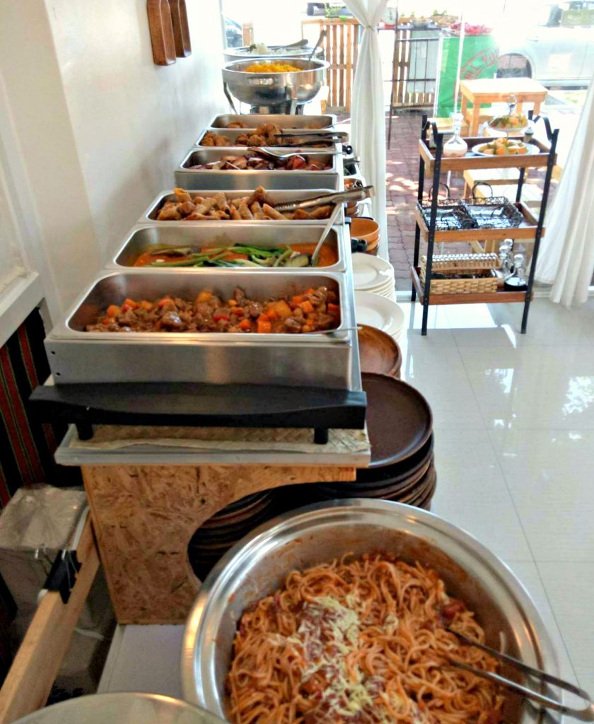 Kanyaw Buffet Line